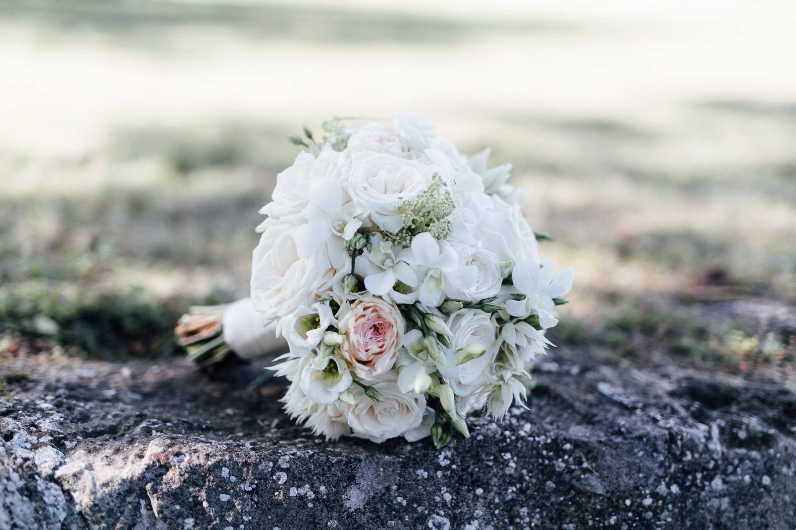 Brautstrauß auf eine Mauer in Weiden am See Burgenland