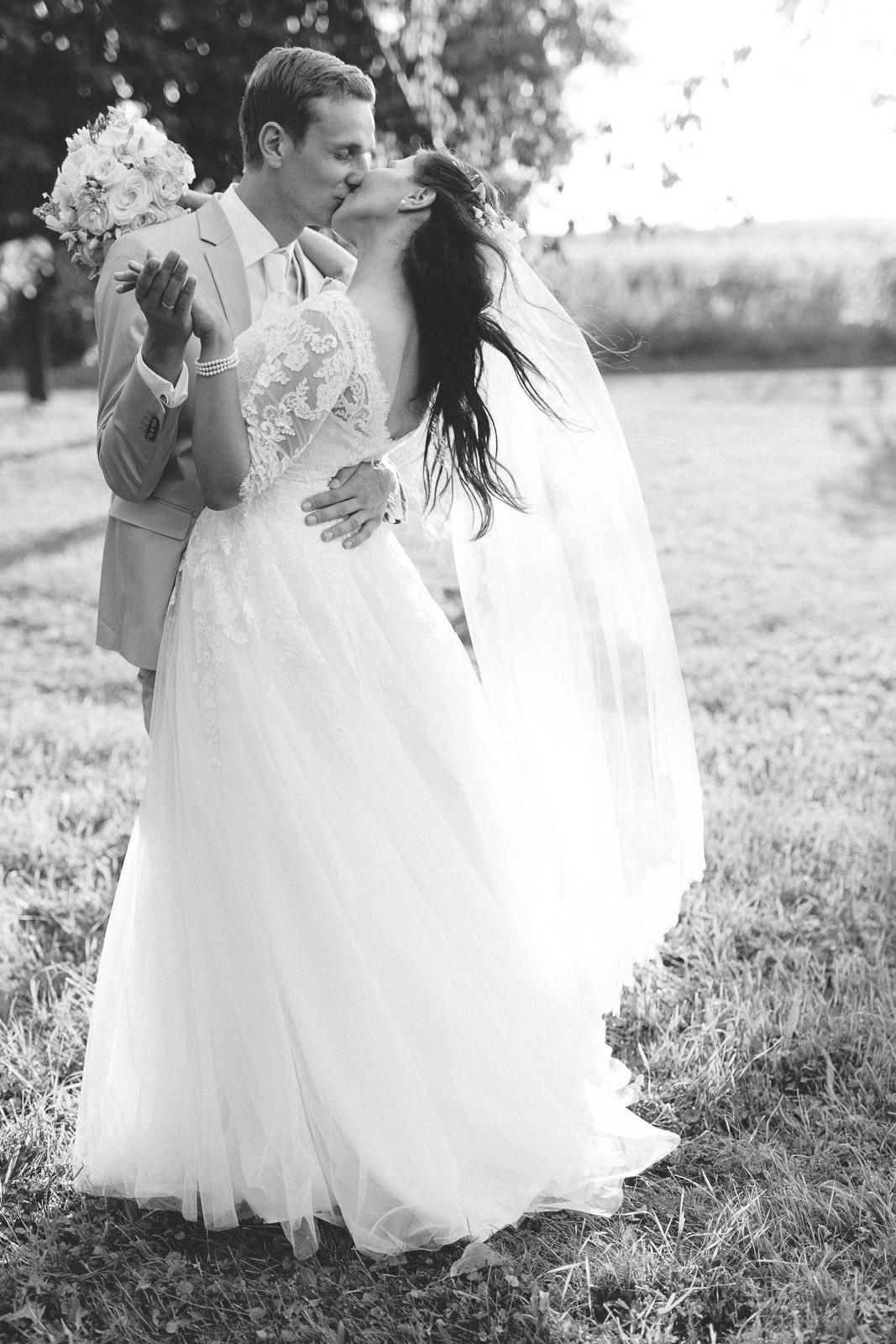 Hochzeitsfoto eines Brautpaares Weiden am See Burgenland