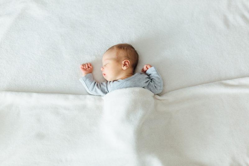 Newborn-Fotos-Wien-Carmen-Trappenberg-Fotografie